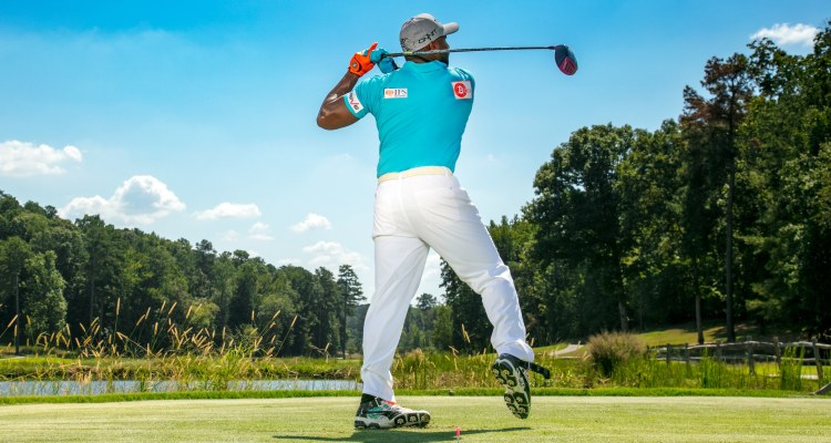 Great Tips To Hit A Golf Ball Longer And Straighter